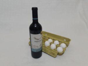 Imagem de ovos e vinho, dois produtos que, segundo Ellen White, estimulam impulsos animais